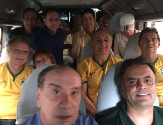 """""""Vã do PSDB"""" nas manifestações de 13 de março. No detalhe, Aloysio Nunes, Aécio Neves, Geraldo Alckmin e Paulinho da Força (Foto: militância do PSDB)"""
