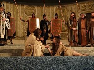 Espetáculo da Paixão de Cristo tem cerca de três horas de duração (Foto: Kamylla Lima/G1)