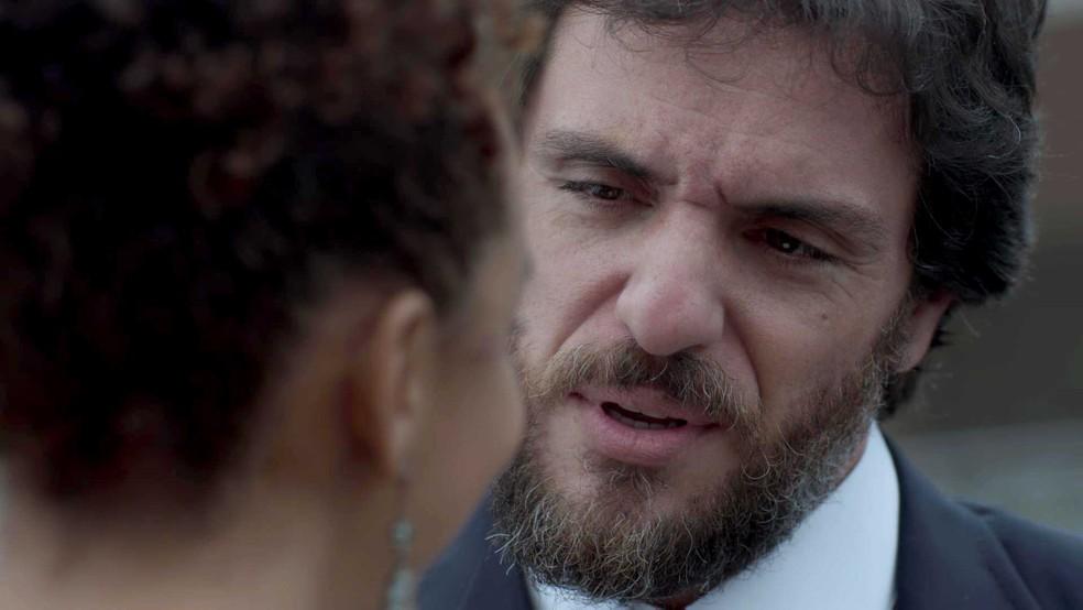 Será que Caio aceita? (Foto: TV Globo)