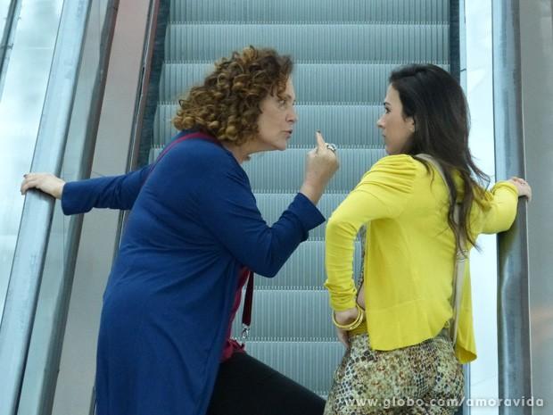 Elizabeth Savalla e Tatá Werneck gravam cenas juntas (Foto: Amor à vida/TV Globo)