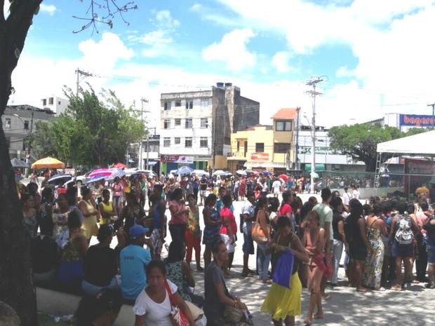 Cerca de 10 mil mulheres estiveram no local em busca de atendimento (Foto: Vanderson Nascimento/ TV Bahia)