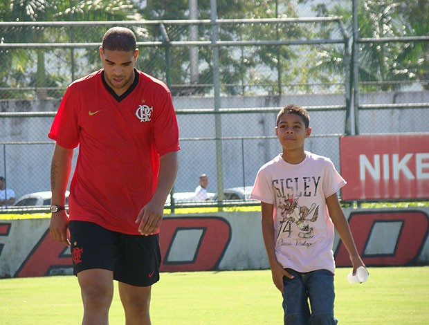 tiago irm&#227;o de adriano no treino do Flamengo (Foto: Eduardo Peixoto / Globoesporte.com)