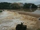 Chuva leva embora água salgada que invadiu rio em São Mateus, ES