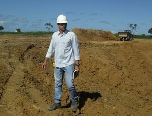 Caio Roberto, encarregado da obra do Ninho do Galo (Foto: Denison Roma / GloboEsporte.com)