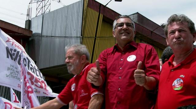 Alexandre Padilha faz carreatas nas periferias das zonas sul e norte