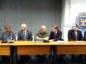 Reunião na Prefeitura de Campinas discutiu a segurança pública durante a Copa do Mundo (Foto: Luciano Calafiori / G1)