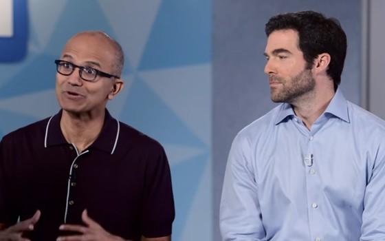 Satya Nadella, presidente da Microsoft, e Jeff Weiner, presidente do LinkedIn, no anúncio da aquisição (Foto: Reprodução / YouTube)