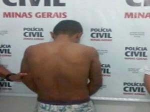 Suspeito de estupro é apresentado em Formiga (Foto: Marco Antônio/Tv Bambuí)