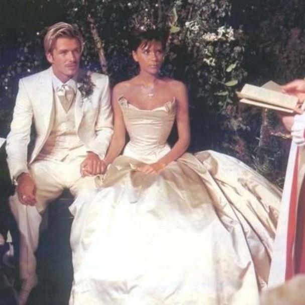 Outstanding David Beckham Relembra Os 17 Anos De Casamento Com Victoria E Se Hairstyle Inspiration Daily Dogsangcom
