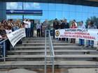 Auditores da Receita Federal voltam a protestar em Santos, SP