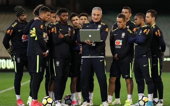 Tite e a Seleção Brasileira em Melbourne, na Austrália, antes dos amistosos contra as seleções argentina e australiana (Foto: Lucas Figueiredo / CBF)
