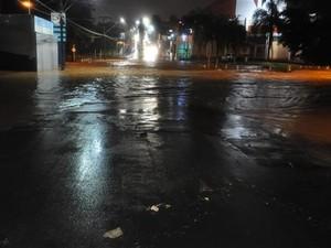 No distrito de Vitoriana, oito famílias tiveram suas casas invadidas pelas águas  (Foto: Cesar Culiche / Divulgação)