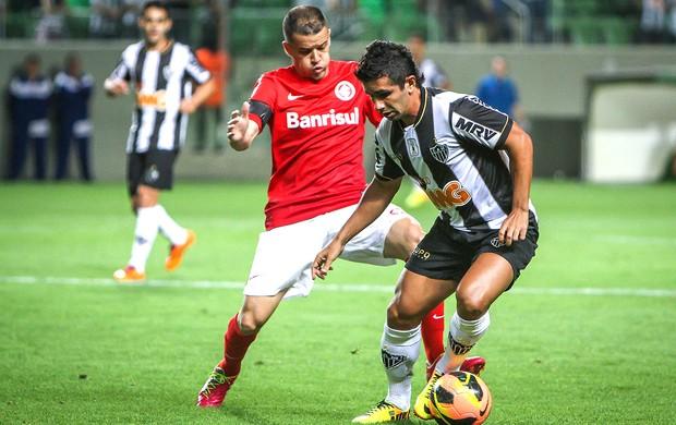 Guilherme e D´Alessandro jogo Atlético-MG x Internacional (Foto:  Bruno Cantini / Site Oficial do Atlético-MG)