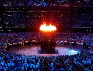 Pira Olímpica abertura olimpíadas londres 2012 (Foto: Agência Reuters)
