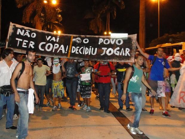Manifestação em Belo Horizonte fecha Avenida Antônio Carlos (Foto: Pedro Triginelli/G1)