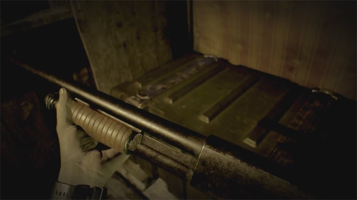 Resident Evil 7  revela uma shotgun e retorno das clássicas caixas de item da série (Foto: Reprodução/YouTube)