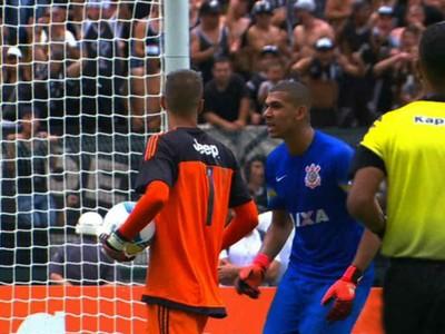 provocação goleiros Corinthians Flamengo Copinha (Foto: Reprodução SporTV)