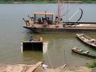 Caminhão carregado com frango afunda no Rio Mamoré em Guajará