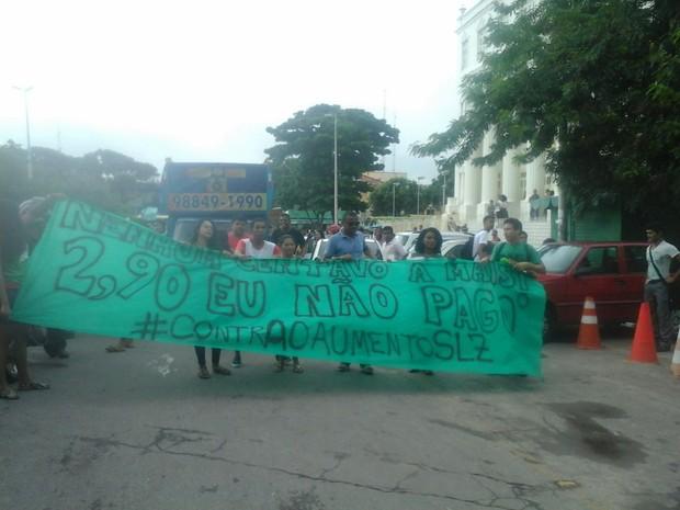 Concentração começou por volta de 17h, no Centro (Foto: Alessandra Rodrigues/Mirante AM)