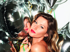Gisele Bndchen veste modelitos em preto para ensaio de fotos de revista