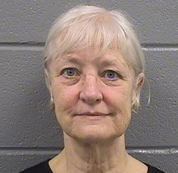 Marilyn Jean Hartman passou um mês presa por tentar viajar sem passagem (Foto: Cook County Sheriff's Department/AP)