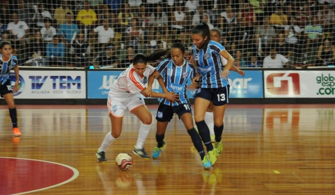 Ourinhos x Marília (Foto: Ricardo Maurício / TV TEM)