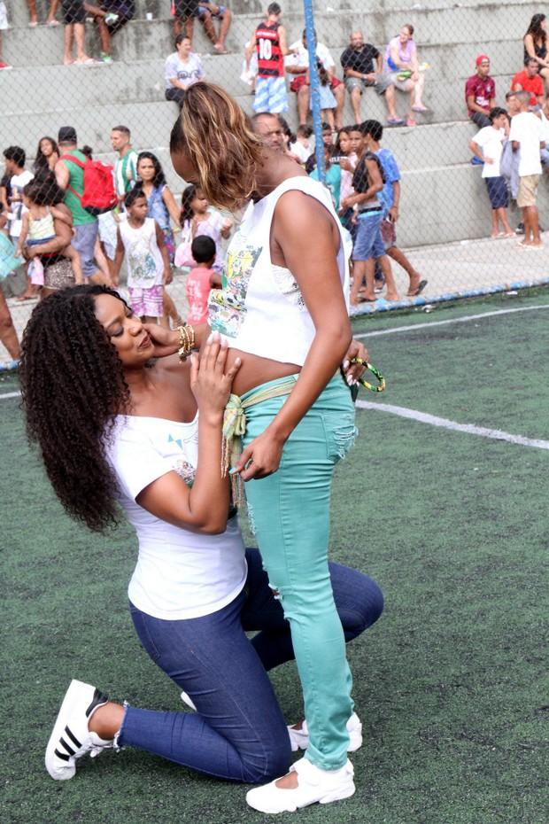 Roberta Rodrigues e Cris Vianna (Foto: Delson Silva dos Santos / AgNews)