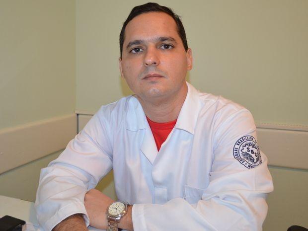 Dr. Alexandre Duarte Costa, cardiologista responsável pela ação em Aracaju  (Foto: Daniel Soares/G1)