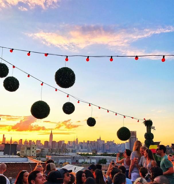 Sunset party no Output (Foto: Instagram/Reprodução)
