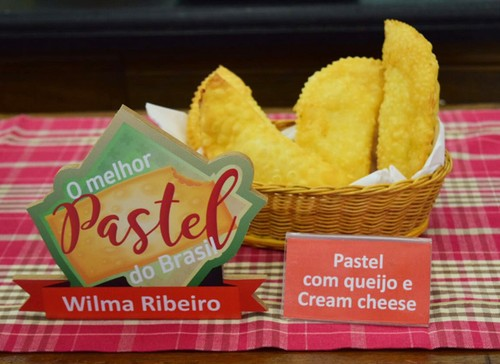 Pastel com Queijo e Cream Cheese