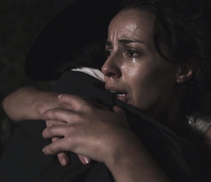 Joaquina fica aliviada ao reencontrar Rubião (Foto: TV Globo)