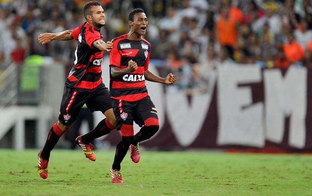 Marquinhos gol Vitória x Fluminense (Foto: Fabio Castro / Ag. Estado)