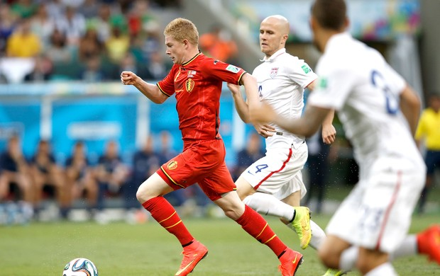 Kevin De Bruyne jogo Estados Unidos x Bélgica Arena Fonte Nova (Foto: AFP)
