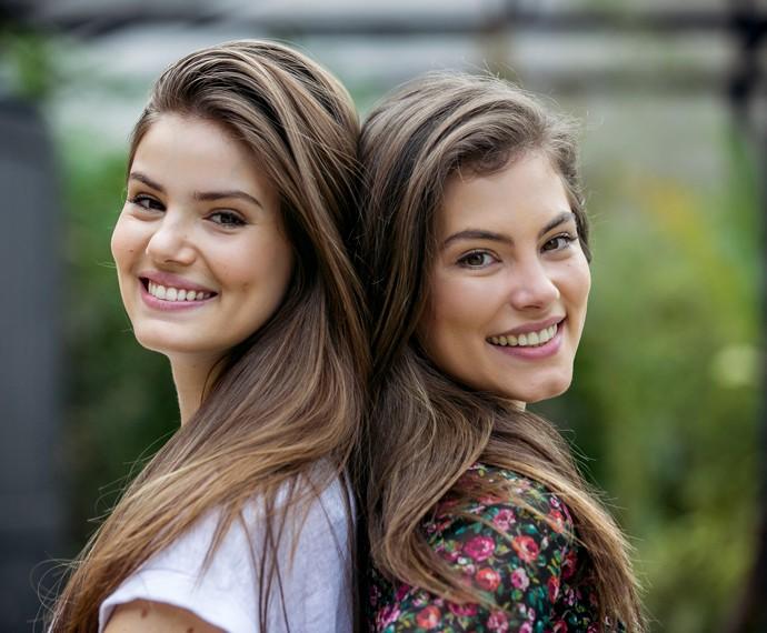 Camila Queiroz e Bruna Hamú comparam semelhanças (Foto: Isabella Pinheiro/Gshow)