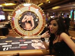 Anitta grava clipe em cassino de Las Vegas (Foto: Divulgação)