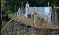 Cemitério na zona rural de Pelotas está abandonado (Reprodução/RBS TV)