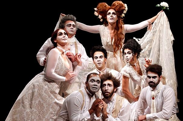 Elenco de 'O Pequeno Zacarias – Uma Ópera Irresponsável', liderado por Soraya Ravelle (Foto: Divulgação)
