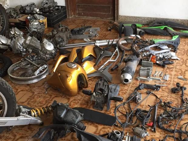 Segundo polícia, peças eram vendidas em local que funcionava empresa de fachada (Foto: Polícia Civil/Divulgação)