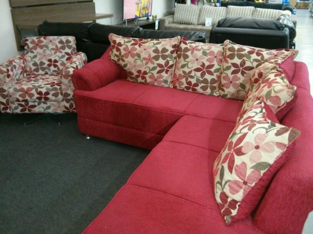 Vendas dos sofás cresceram aproximadamente 15% (Foto: Cláudio Nascimento / TV TEM)