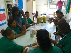"""""""Estou emocionada com o trabalho"""", diz a pedagoga Joselita   (Foto: Henrique Mendes / G1)"""