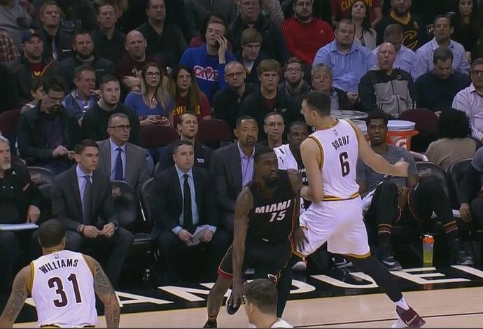 Andrew Bogut, Cleveland Cavaliers, NBA, lesão (Foto: Reprodução)