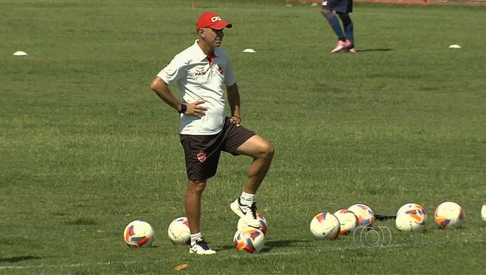 Márcio Fernandes, técnico do Vila Nova (Foto: Reprodução/TV Anhanguera)