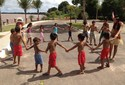 Tribo indígena urbana faz seu próprio carnaval