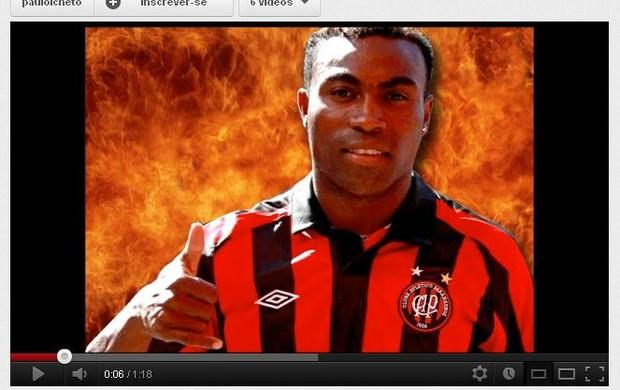 Reprodução de video de Guerrón, do Atlético-PR, no You Tube (Foto: reprodução You Tube)