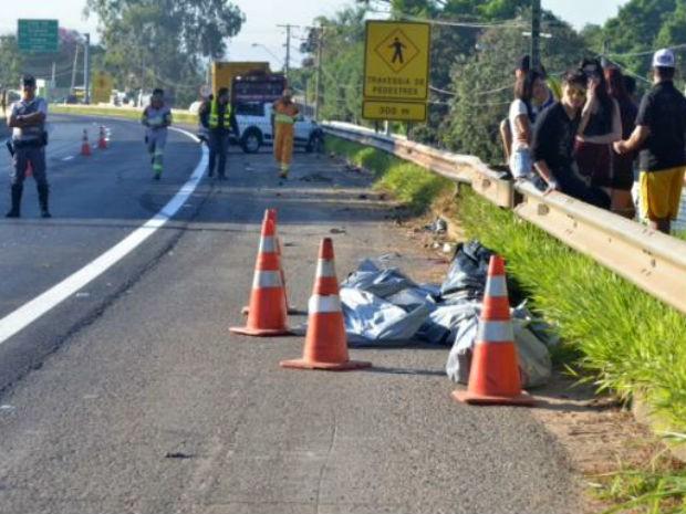 Jovens deixam rave e morrem atropelados ao atravessar rodovia (Foto: Sérgio Ratto/Ipanema Online)