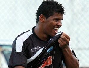 Diego, atacante do Rio Branco-ES (Foto: Simon Dias/Rádio ES)