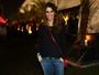 Sarah Oliveira deixa filha em casa e vai a festival de música