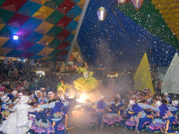 Quadrilha 'Moleca 100 Vergonha' se apresentará no Festival de Inverno de Campina Grande (Foto: Taiguara Rangel/G1)
