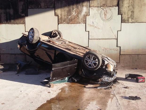 Motorista foi socorrido, mas chegou sem vida ao pronto-socorro (Foto: Alexandre Azank / TV TEM)