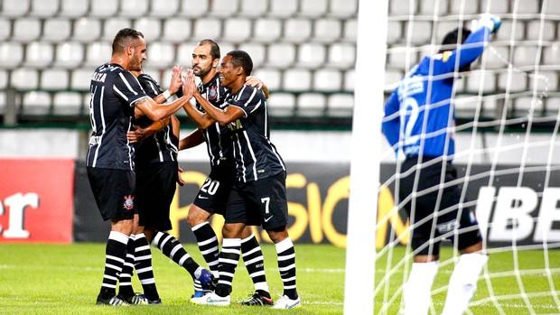 Emerson Corinthians X Once Caldas (Foto: Rodrigo Coca / Agência Corinthians)